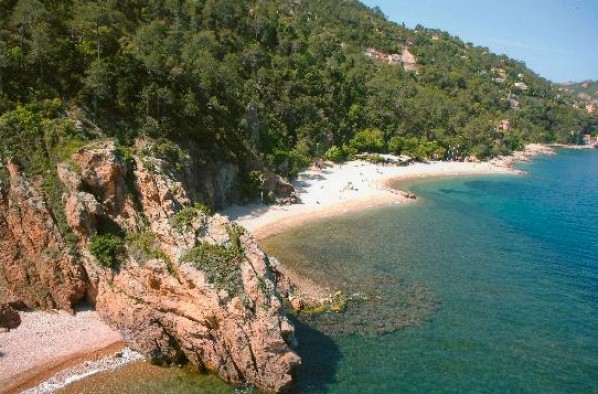 l'Aguille, prachtig strand op loopafstand